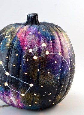 30 Curved Pumpkin Crafts For Halloween Decor To Inspire You 03
