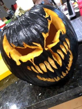 30 Curved Pumpkin Crafts For Halloween Decor To Inspire You 11