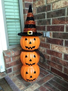 30 Curved Pumpkin Crafts For Halloween Decor To Inspire You 17