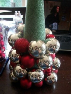 30 DIY Holiday Projects Using Dollar Store Ornaments 08