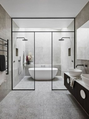 31 Stunning Showers That Will Wash Your Body And Soul 30