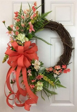 33 Beautiful Spring Wreath To Make It Yourself At Home 14