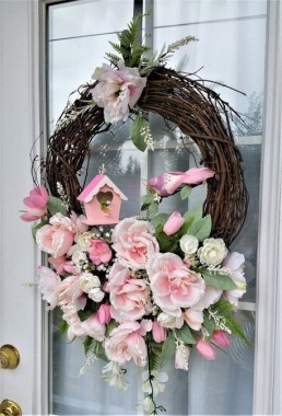 33 Beautiful Spring Wreath To Make It Yourself At Home 22