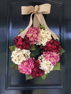 33 Beautiful Spring Wreath To Make It Yourself At Home 23