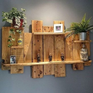 33 Creative And Easy DIY Pallet Wall Art Ideas To Try 31