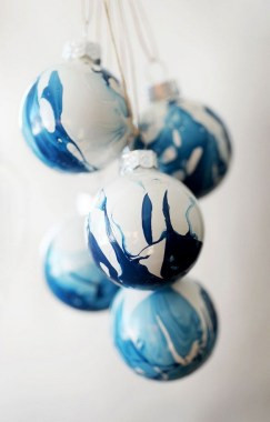 37 DIY Glass Ornament Projects To Try ASAP 35