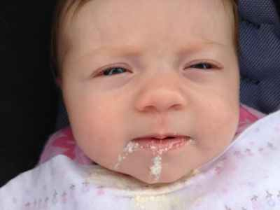 نصائح مهمة لتقليل الارتجاع عند الرضع