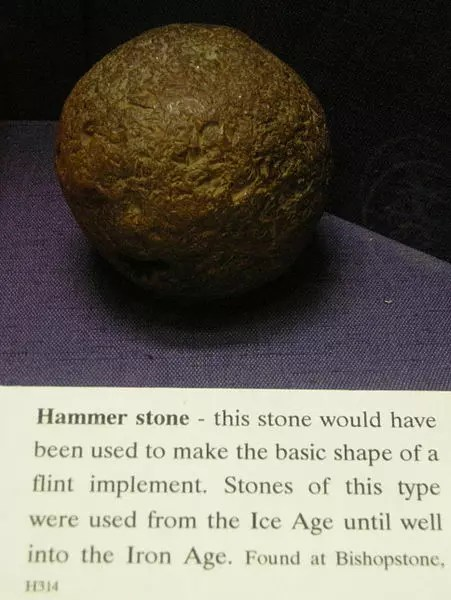 Hammerstone - Stone age tools