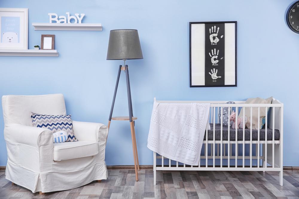 Moderne blauwe babykamer