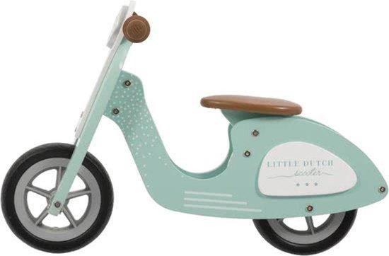 Loopfietsjes in de vorm van een scooter. Geweldig stoer.