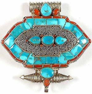 filigree_gau_box_pendant_nepalese