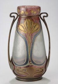 vase_on_brass_mount
