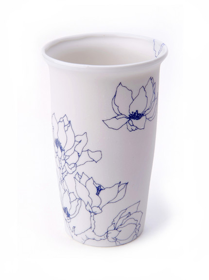 blooming_over_cup_Droog
