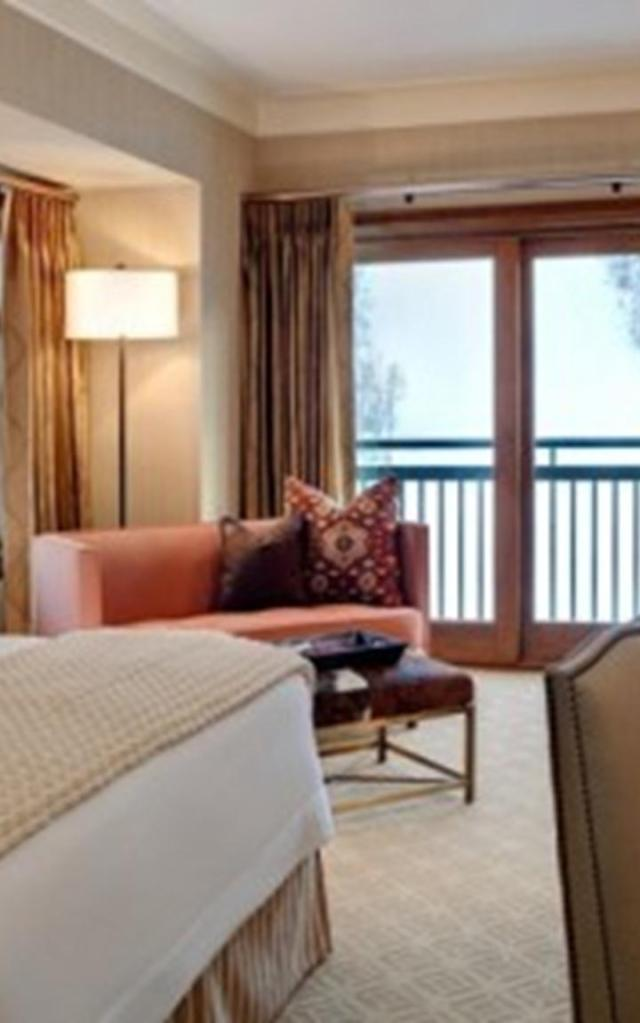 brown-interior-decorating-ideas-10-500x281 (Copy)