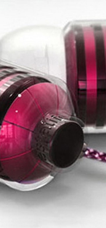 BumbleBee với màu sắc hồng đen cá tính