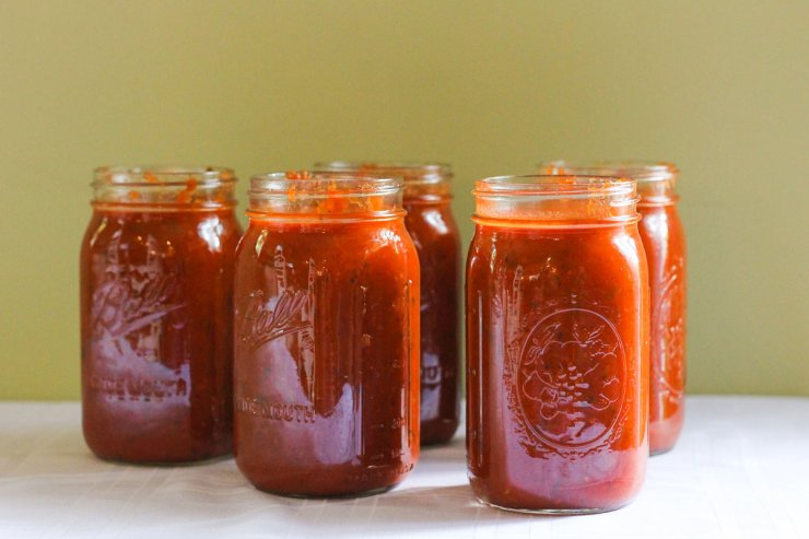 Canning tomato sauce for the entire winter