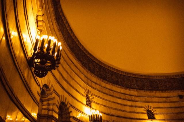 """Да и помимо мозаик """"Золотые ворота"""" выглядят действительно здорово - благодаря мрамору и бронзе"""