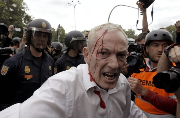 بسبب الأزمة الاقتصادية الرصاص المطاطي في الشارع.. ديال اسبانيا أوليدي ديال اسبانيا!! (فيديو وصور)