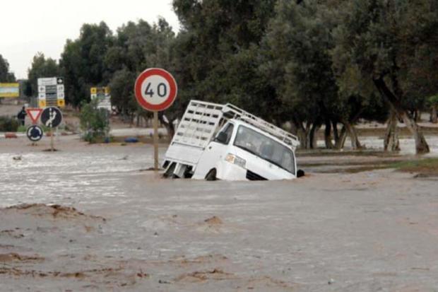 """ما تخافو ما تخلعو.. إعصار """"نادين"""" لن يضرب المغرب"""