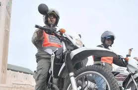 إلى اللصوص الذين يستعملون الدراجات النارية في كازا.. البوليس حاضيكم هاد الأيام