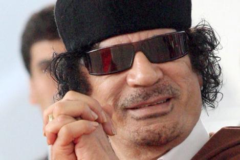 صحيفة بريطانية: القذافي كان يغتصب ويضرب ويذل المراهقات