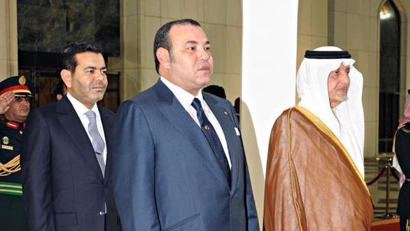 بعد وصوله إلى السعودية.. الملك سيؤدي مناسك العمرة