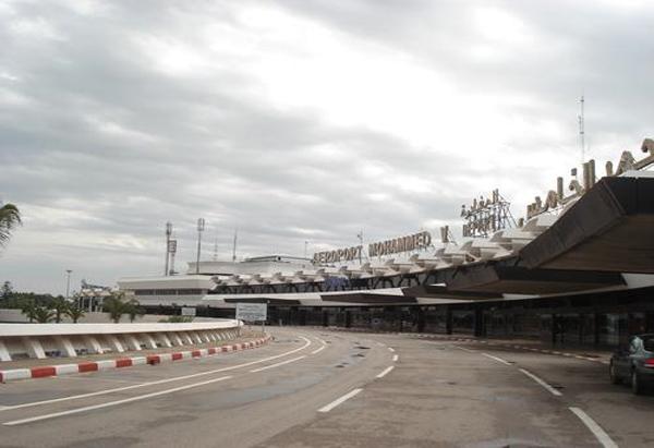 مطار كازا.. توقيف تركيين حاولا تهريب 34 كيلو من الشيرا