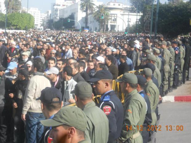 وفاة عبد السلام ياسين.. البوليس ينظم الجنازة!!