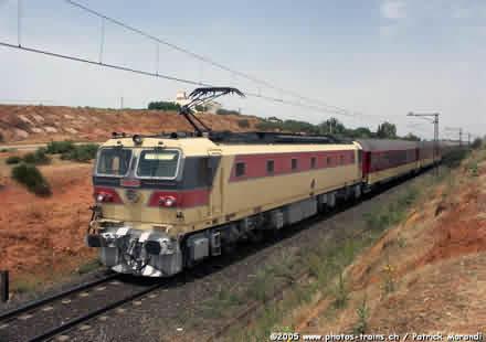 ابتداء من فاتح ماي.. قطار مباشر من الدار البيضاء-الميناء إلى مطار محمد الخامس