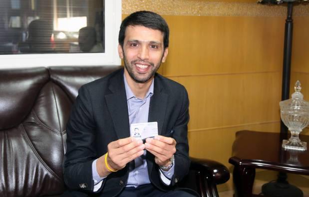 توجه إلى مقر الحزب لتجديد البطاقة.. هشام الكروج استقلالي (صور)