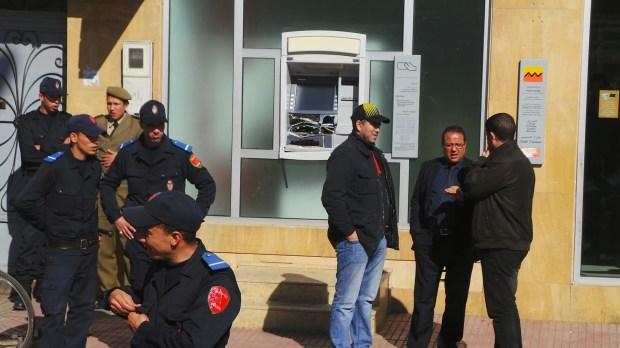 """كازا.. اعتقال """"العركوب"""" الذي حاول السطور على شباك بنكي"""