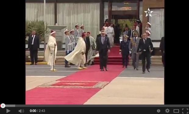 مطار الرباط سلا.. الملك إلى مالي