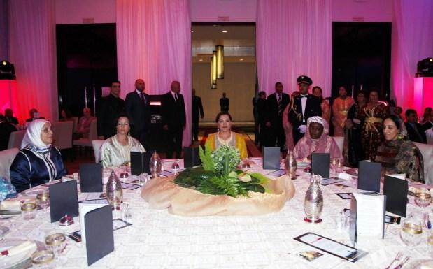 حضرته الأميرة للا حسناء.. عشاء خيري نظمه النادي الدبلوماسي (صور)