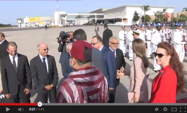 خلال توديع ملك إسبانيا.. ضحكة بنكيران بعد مزحة من الملك محمد السادس (فيديو)