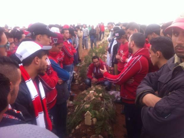 بالصور.. جنازة أربعة من مشجعي الوداد البيضاوي