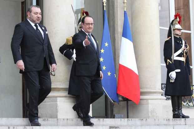 مكافحة الإرهاب/ التعاون الاقتصادي/ القضية الليبية/ المناخ/ الثقافة.. الملك يلتقي هولاند