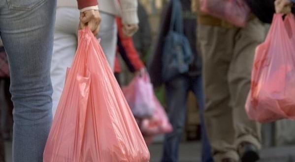 حجز 3 أطنان من البلاستيك في فاس.. الميكا كونطربوند!