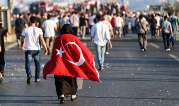 ابن كيران/ رباح/ بنحمزة/ اللقماني/ رحاب.. تعليقات مغربية على الانقلاب الفاشل في تركيا