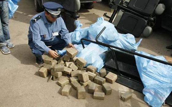 طنجة .. حجز حوالي طنين من المخدرات في شاحنة إسبانية