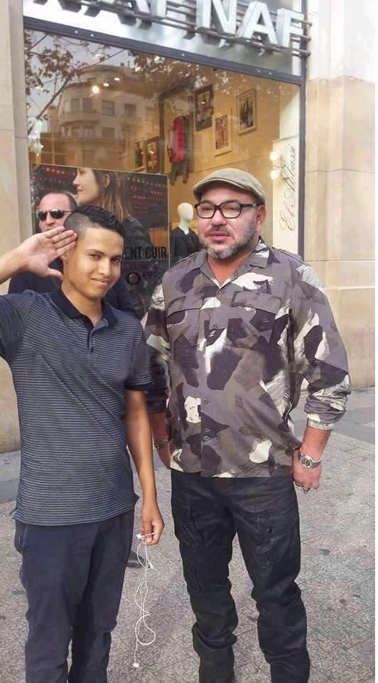 باريس.. الملك والمغربي الصغير