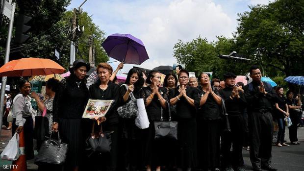 تايلاند.. حداد بعد وفاة الملك وتحذير من غلاء الملابس السوداء