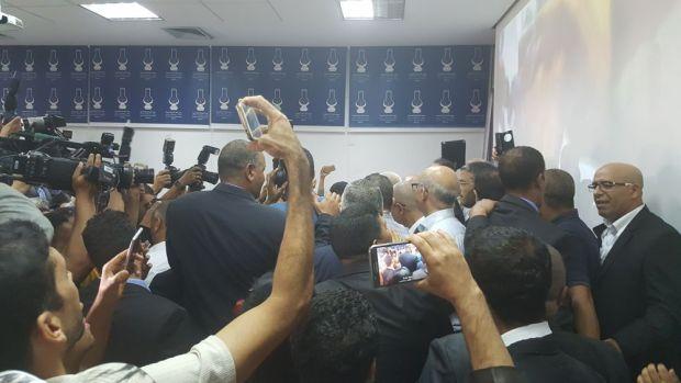 بالصور.. ابن كيران يستعد لإعلان الفوز