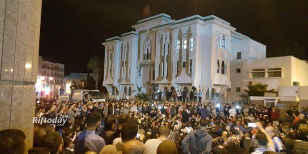 في عدد من المدن.. وقفات احتجاجية تضامنا مع محسن