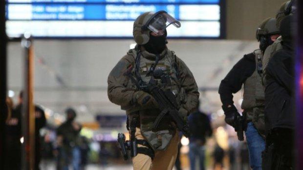 ألمانيا.. حمق هاز فاس وهجم على محطة القطار