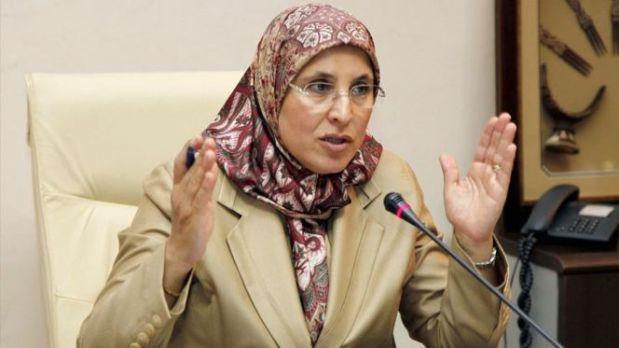 """كتهضر على تأطير """"قيمة التضامن"""".. الوزيرة الحقاوي تتضامن مع ضحايا فاجعة الصويرة بطريقتها الخاصة!"""