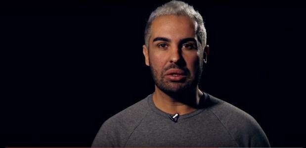 دوك صمد: عوض ما تنتقدو الدراري اللي دارو علاقة جنسية مع حمارة قلبو على الحلول (فيديو)