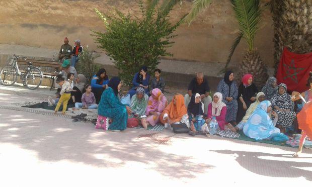 بالصور.. احتجاج النساء السلاليات ضد عامل تارودانت