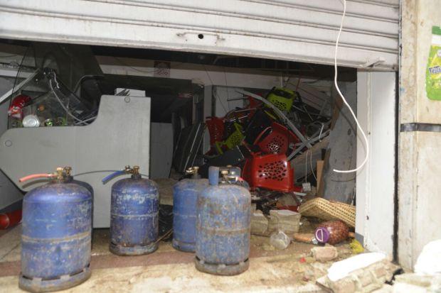 """بالصور من كازا.. 21 مصابا في """"حريق السناك"""""""