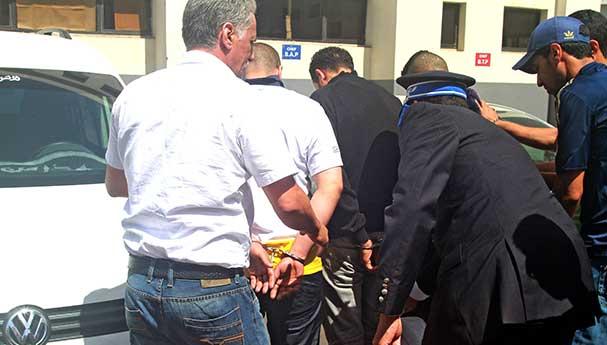 فككوا عصابة متخصصة في الهجرة السرية كانت سببا في غرق 30 شخصا.. الجضارمية دارو خبطة كبيرة فالعيون