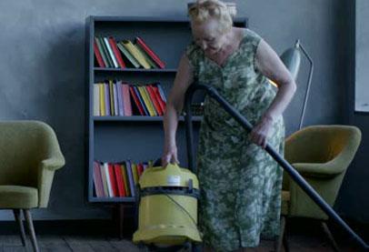 قالوها العلماء.. الأعمال المنزلية تحسن صحة المسنين!